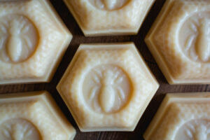 Manuka Honey Cleanser Bar by Cascadia Soap Co