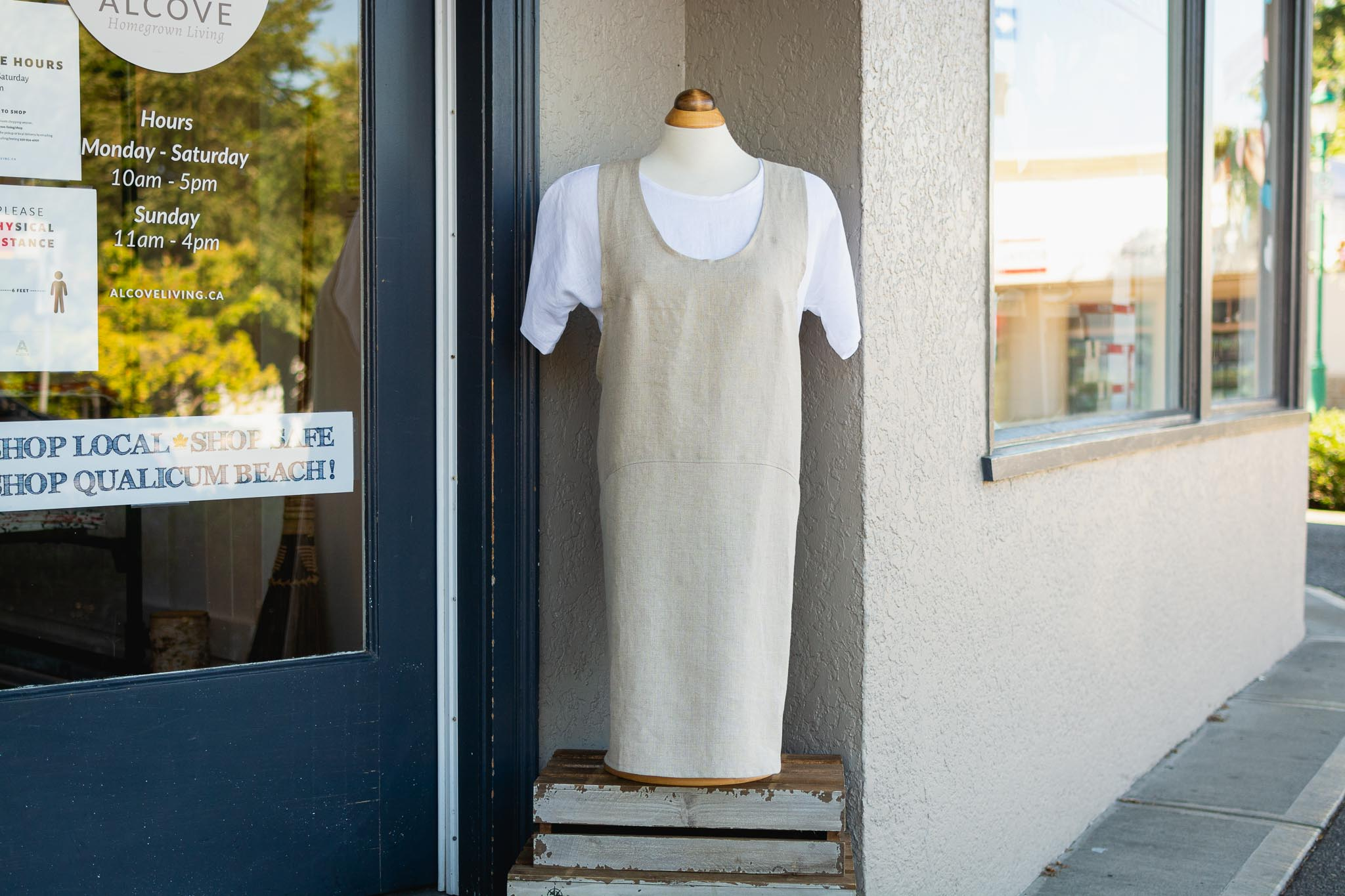 Cross Back Linen Apron by Very Mary Designs